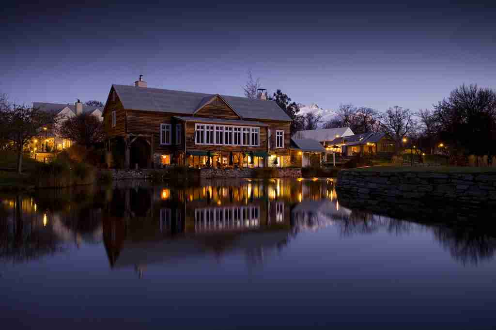 Milbrook Resort Romantic 5 star accommodation in Queenstown