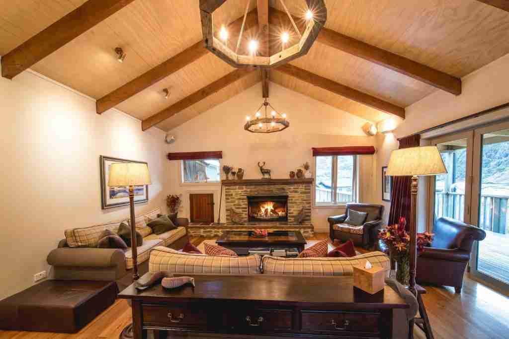 Minaret Station Luxury Alpine Lodge Lounge