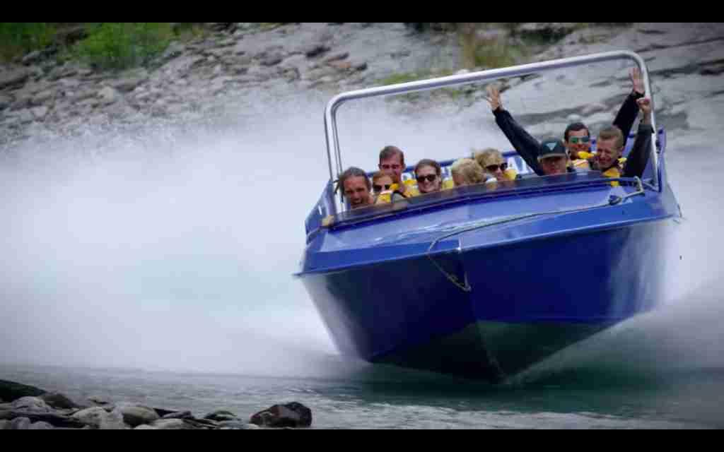 Skippers Canyon Jet drifting