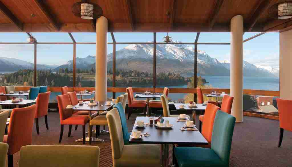 Copthorne Hotel & Apartments Queenstown Lakeview dining with a view